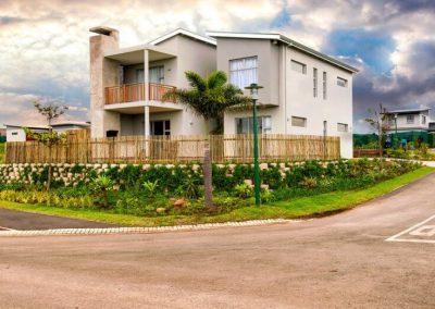 Geneva Crescent - Palm Lakes Family Estate 1
